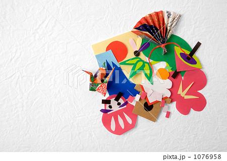 クリスマス 折り紙 折り紙 飾り切り : pixta.jp