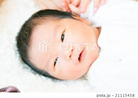 a7295a13dffe1 生後4日目の写真素材 - PIXTA